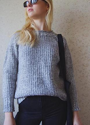 Тёплый свитер толстой вязки