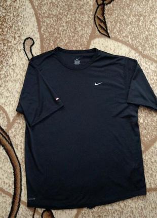 Компрессионная футболка nike dri-fit