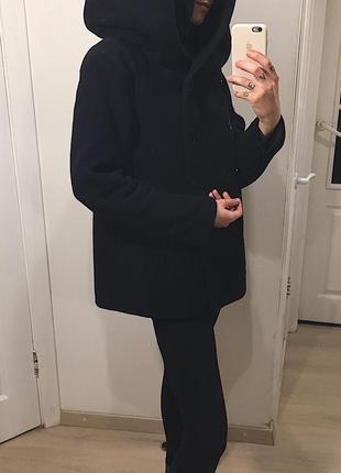Шерстяное пальто с объемным капюшон-хамутом zara 80% wool/шерсти