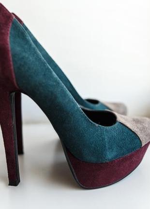 Замшевые туфельки на высоком каблуке