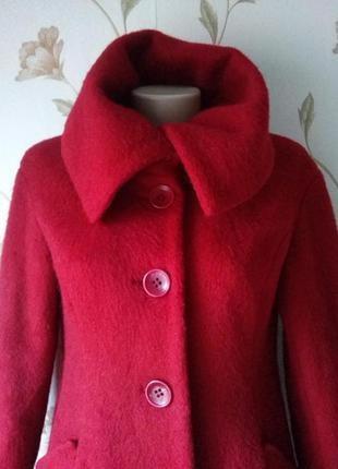 Пальто h&m красное 60% шерсть 20% мохер