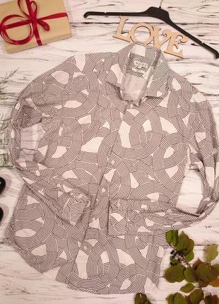 Графичная рубашка