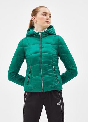Стеганная курточка на синтепоне bershka