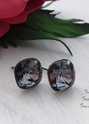 Гвоздики с кристаллами сваровски