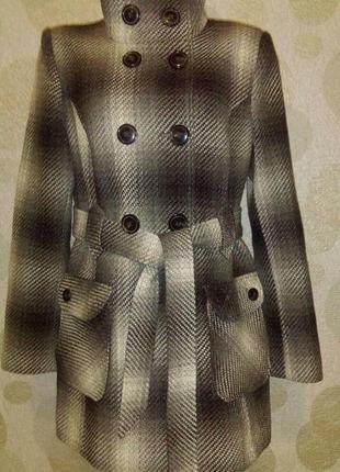 Красивое стильное пальто в составе шерсть,пог 50 см