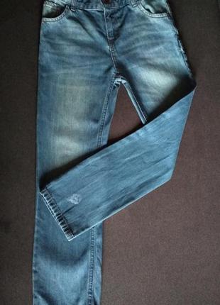 Джинсы для девочки. вайкики. прямые джинсы. резинка . крутые джинсы