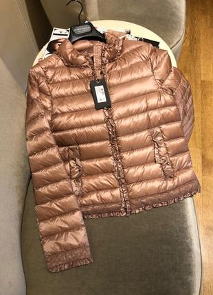 Очень красивая новая курточка twin set