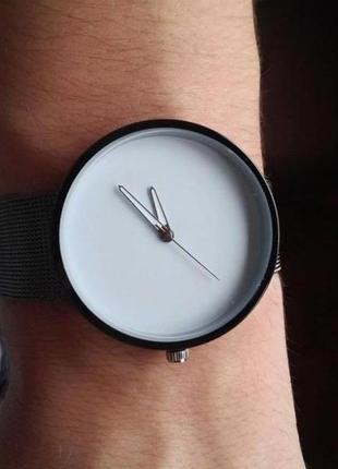 "Современный дизайн, часы ""элемент white"""