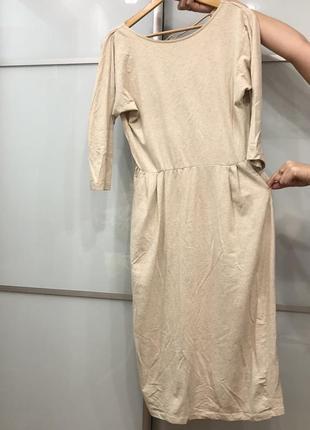 Платье reserved с вырезом на спине