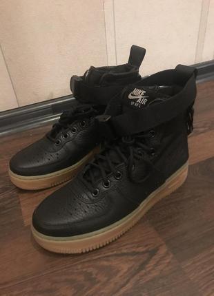Кроссовки сникерсы ботинки