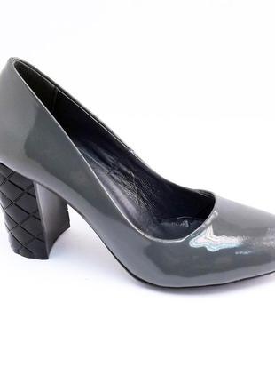Туфли лаковые каблук