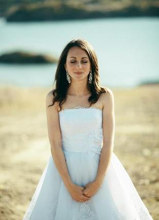 Оригінальне коротке пишне свадебное платье