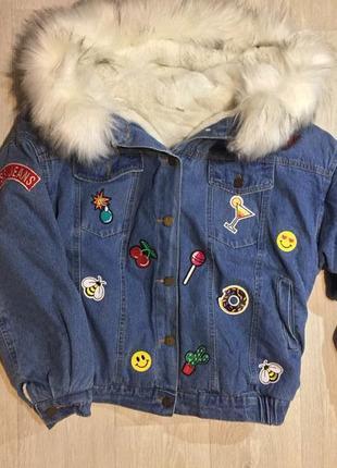 Крутая джинсовая куртка на меху с вышивкой парка джинсовка с мехом