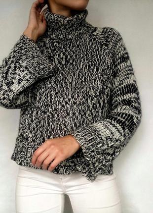 Красивый теплый свитер с горлышком от h&m
