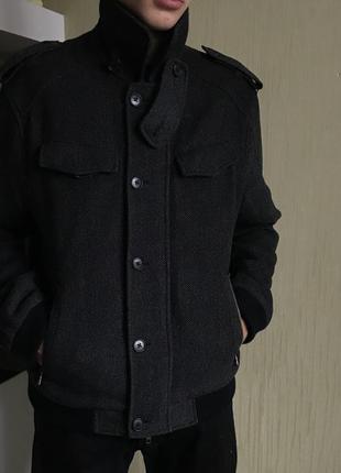 Очень солидное пальто от armani