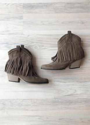 Стильные ковбойские ботинки forever21
