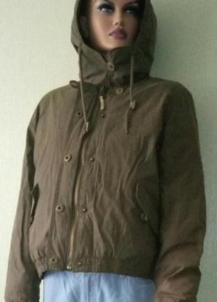 Зимняя стильная куртка фирмы timberland
