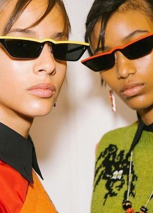 Чёрные узкие очки sci-fi с красной полосой