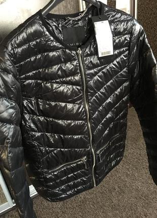 Курточка amisu