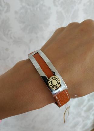 Кожаный браслет очень стильный