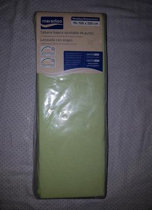 Простынь на резинке 90-100*200 см