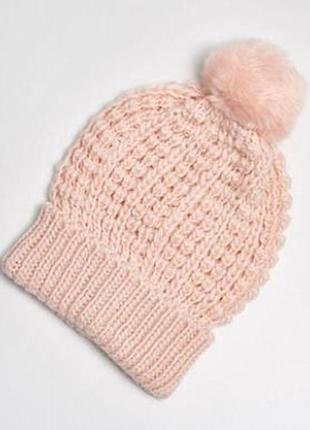 Зимова тепла шапка