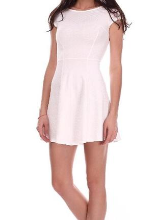 Белое платье бершка