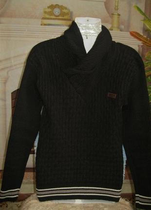 Отличный молодёжный свитер с хомутом!