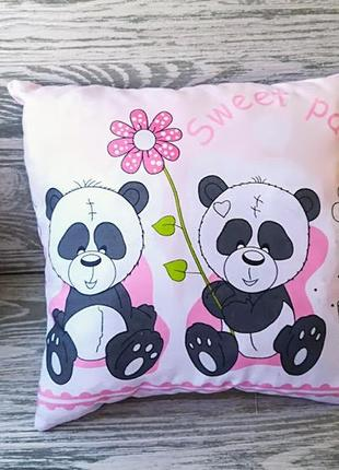 Подушка панды с цветком 2