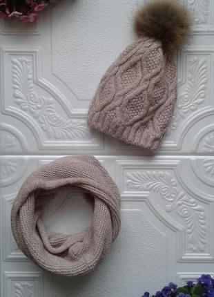 Зимний комплект (вязаная шапка на флисе, с натуральным помпоном и косами, снуд)