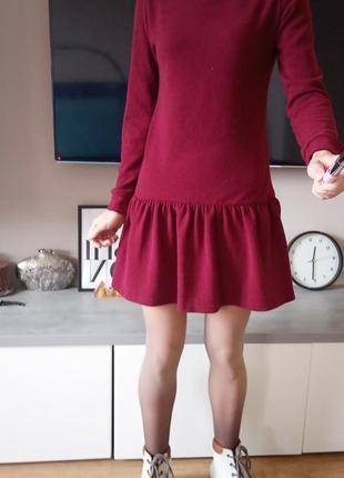 Тёплое платье  с воланами xs