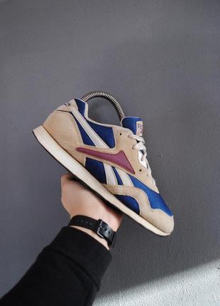Крутые винтажные кроссовки reebok vntg