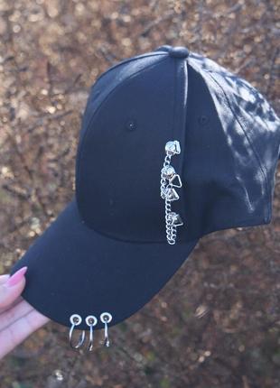 Новая черная кепка