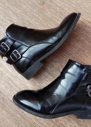 Лакированные ботинки. ботиночки демисезонные