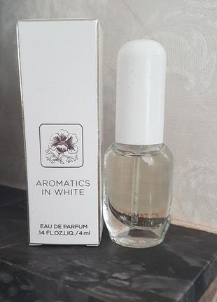 Парфюмированная вода clinique aromatics in white
