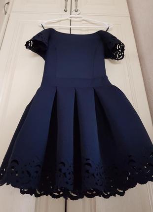 Платье с вышивкой кружевное