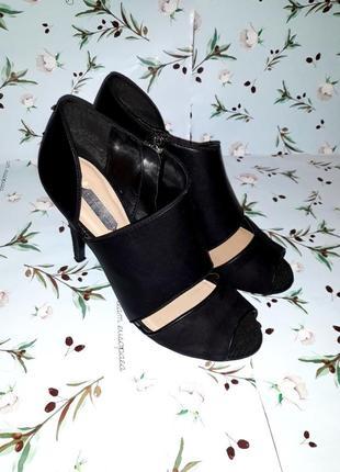 Шикарные черные кожаные босоножки на каблуке dorothy perkins, размер 38