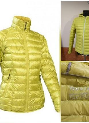 Фирменная стильная качественная тёплая лёгкая куртка пуховик.