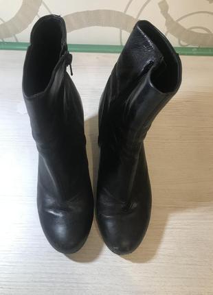 Шикарные кожанные ботинки vagabond