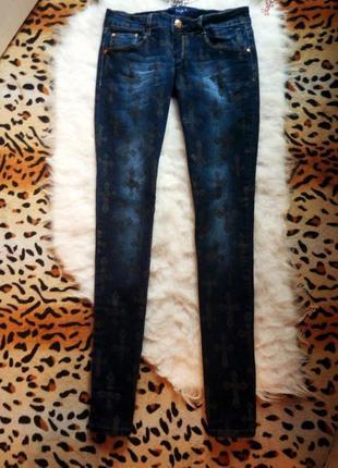 Новые синие джинсы с низкой талией и принтом в кресты американки узкачи прямые