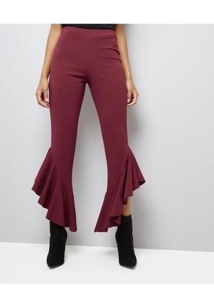 Трендовые брюки 2018 с оборками, укороченные скинни с рюшами, эластичные