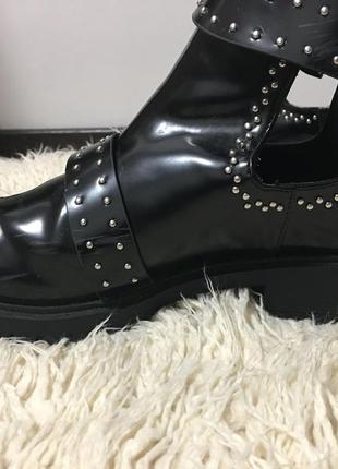 Ботинки осенние на низком ходу3 фото