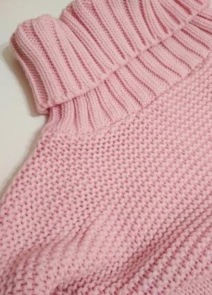 Укороченный свитер под горло