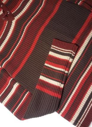 Брендовый укороченный джемпер из шерсти мериноса, в рубчик со шнуровкой .4 фото