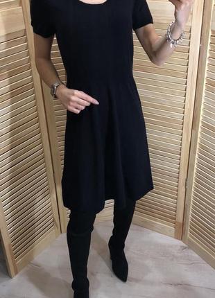 Платье из тоненькой мериносовой шерсти uniqlo