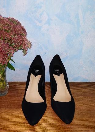 Брендовые классические туфли лодочки 25см. на каблуке h&m туфлі