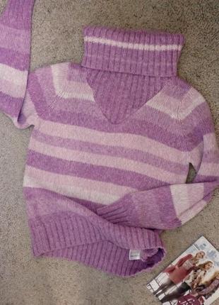 Стильный теплый свитер с высоким, объемным воротом