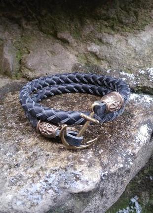Черный кожаный браслет ручной работы