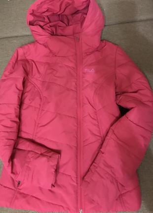 Розовая куртка fila