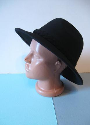 Черная фетровая шляпа - любимая вещь модных блогеров!